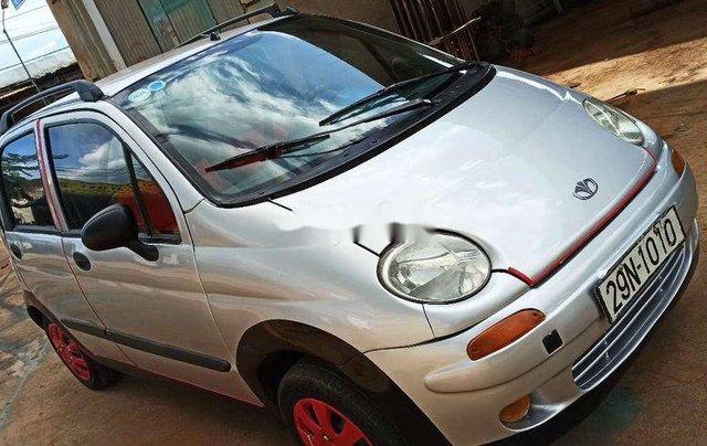 Cần bán xe Daewoo Matiz SE 2001, màu bạc0
