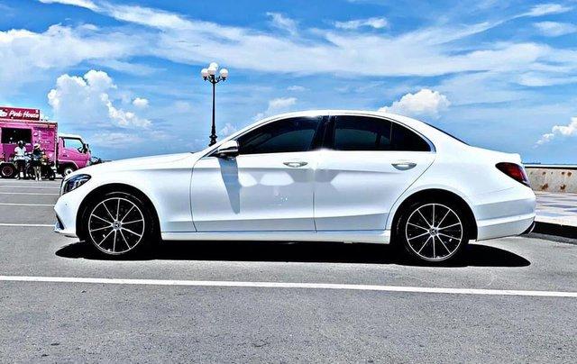 Cần bán gấp Mercedes C200 sản xuất 2019, đăng ký lần đầu 20203