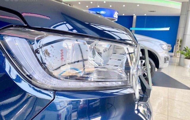 Ford Everest 2020 giảm giá kịch sàn tặng nhiều phụ kiện giá trị4