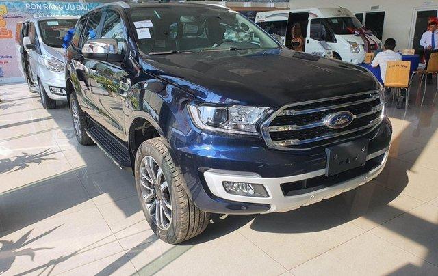 Ford Everest 2020 giảm giá kịch sàn tặng nhiều phụ kiện giá trị1