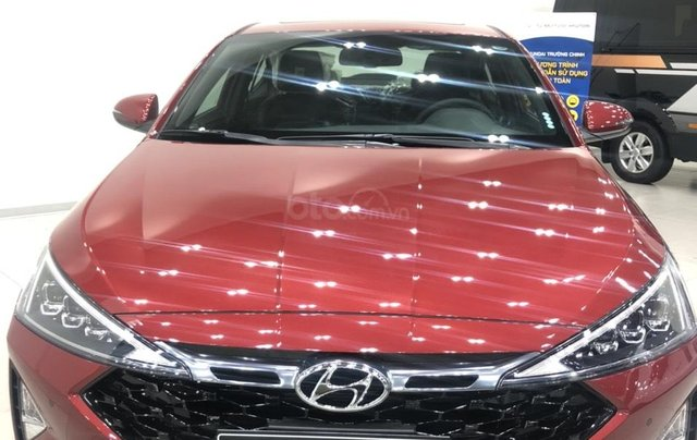 Bán Hyundai Elantra AT đời 2020, màu đỏ0
