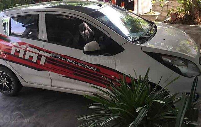 Xe Chevrolet Spark đời 2015, màu trắng còn mới 1