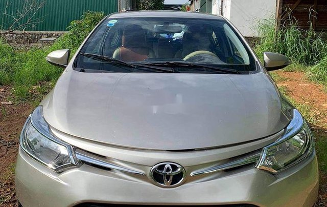 Cần bán xe Toyota Vios năm sản xuất 2015 còn mới, giá tốt0