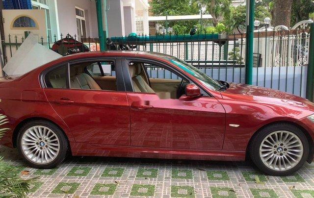 Chính chủ bán xe BMW 3 Series 320i năm sản xuất 2011, màu đỏ0