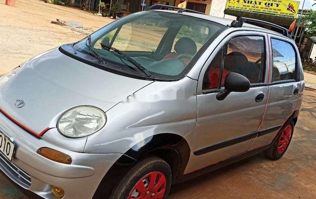 Cần bán xe Daewoo Matiz SE 2001, màu bạc1