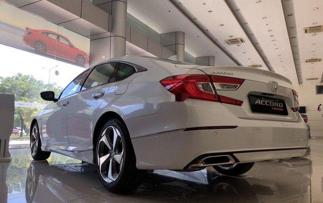 Bán Honda Accord sản xuất năm 2020, màu trắng, nhập, dòng xe đẳng cấp3