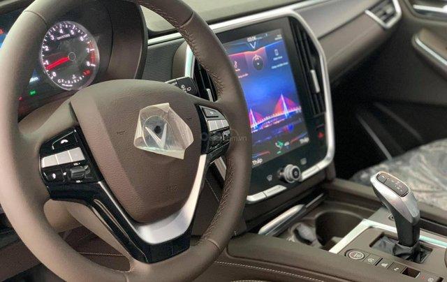 LUX A2.0 2020 cao cấp, hỗ trợ ngân hàng 90%, nhận xe từ 92 triệu đồng4