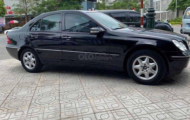 Cần bán lại xe Mercedes C200 năm sản xuất 2001, màu đen  3