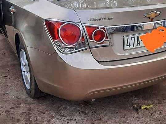 Bán xe Chevrolet Cruze LT năm 2011, màu vàng cát còn mới4