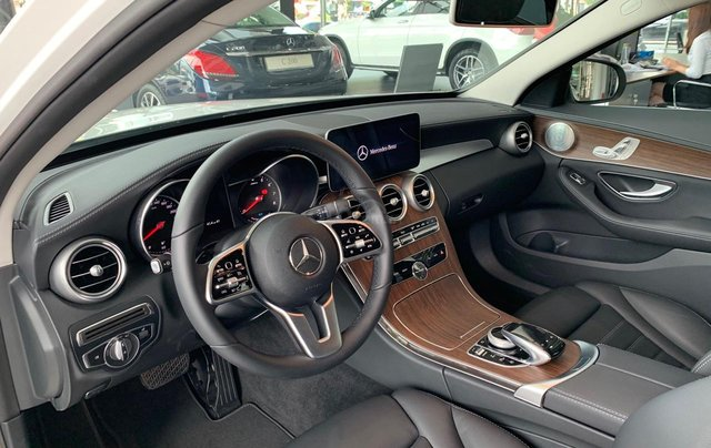 Mercedes C200 Exclusive trẻ trung - Năng động, xe sang giá tốt - Ưu đãi thuế3