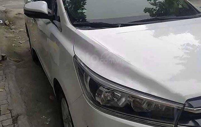 Cần bán xe Toyota Innova sản xuất 2018, màu trắng xe gia đình3