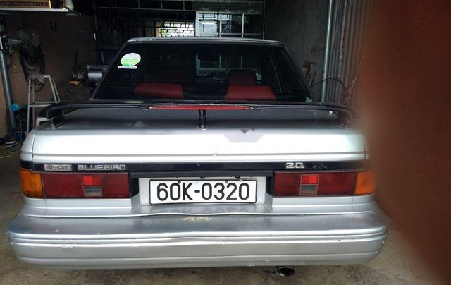 Cần bán Nissan Bluebird năm 1990, màu bạc7