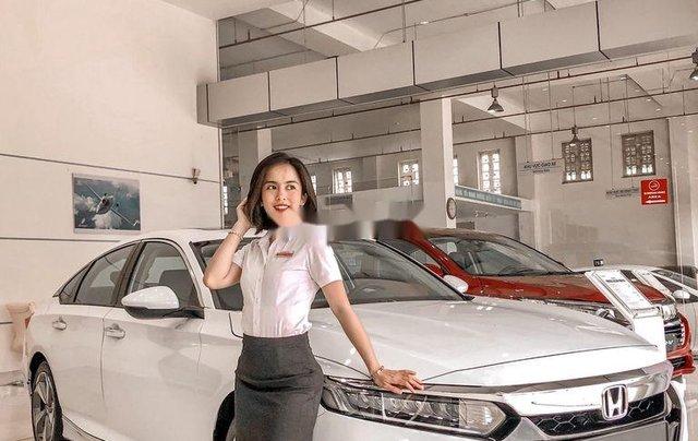 Bán Honda Accord sản xuất năm 2020, màu trắng, nhập, dòng xe đẳng cấp1