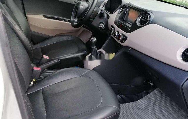 Bán ô tô Hyundai Grand i10 đời 2016, màu bạc chính chủ, giá tốt5