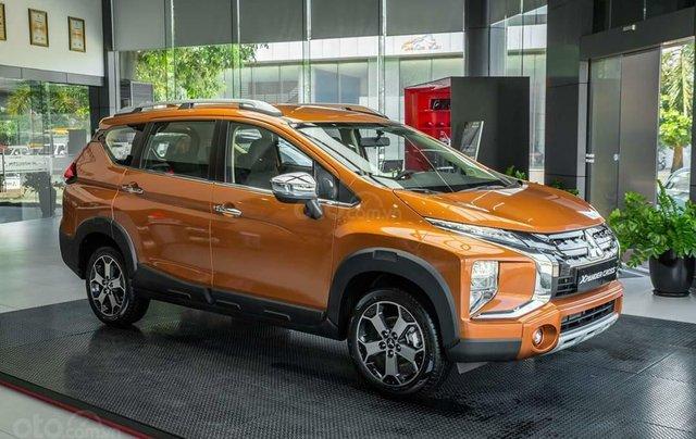 Mitsubishi Xpander Cross giá T12 giảm bất ngờ, cùng vô vàn khuyến mại phụ kiện0