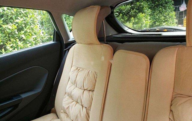 Cần bán xe Ford Fiesta 2011, màu trắng, xe nhập chính chủ, 275tr5