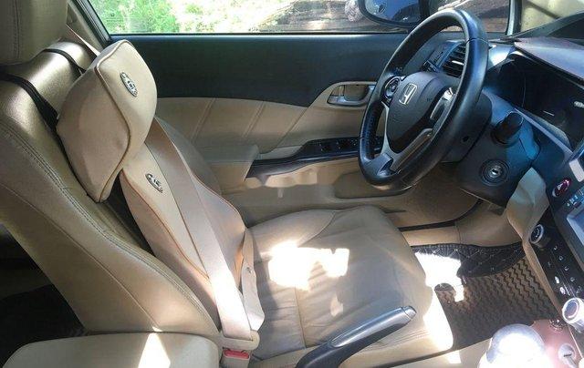 Bán xe Honda Civic 2015, màu trắng, nhập khẩu nguyên chiếc xe gia đình, giá tốt3