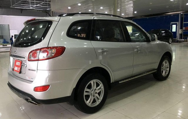 Bán xe Hyundai Santa Fe năm 2011, màu bạc, nhập khẩu  4