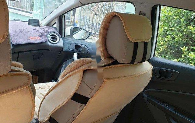 Cần bán xe Ford Fiesta 2011, màu trắng, xe nhập chính chủ, 275tr8
