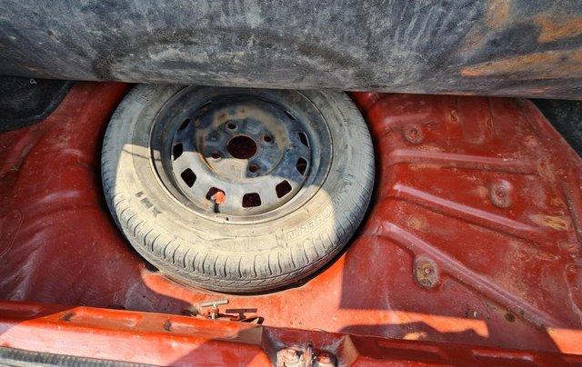 Cần bán Kia Pride GTL, SX 2001, máy xăng, nhập khẩu, đã chạy 80000km, xăng 6 L/100km, nội thất màu ghi, xe 5 cửa, máy 1.311