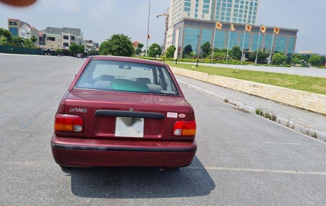 Cần bán Kia Pride GTL, SX 2001, máy xăng, nhập khẩu, đã chạy 80000km, xăng 6 L/100km, nội thất màu ghi, xe 5 cửa, máy 1.33