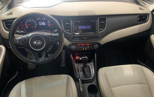Bán xe Kia Rondo màu trắng, xe đẹp, giá cả hợp lý8
