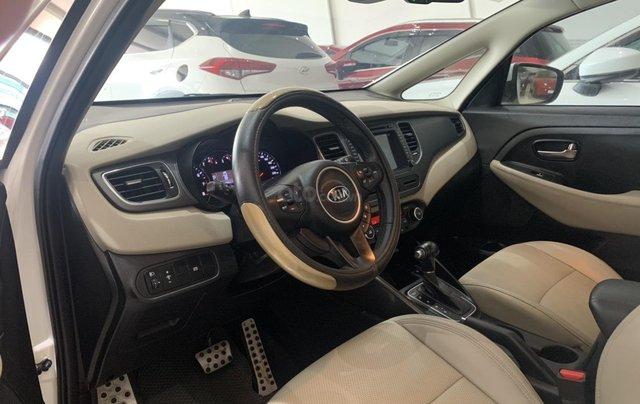 Bán xe Kia Rondo màu trắng, xe đẹp, giá cả hợp lý7