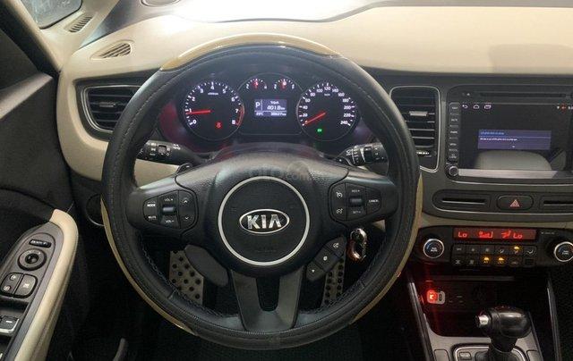 Bán xe Kia Rondo màu trắng, xe đẹp, giá cả hợp lý6