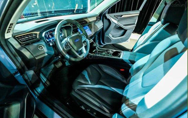 Ford Territory sắp ra mắt, thế chân Ford Escape đối đầu Honda CR-V12