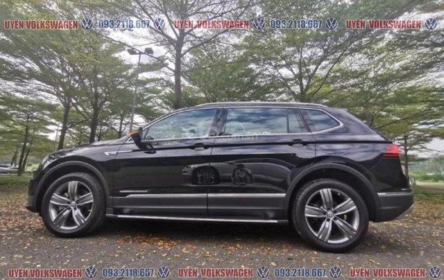 Tin hot, ưu đãi lớn xe Tiguan bản cao cấp, đủ màu sắc, hỗ trợ ngân hàng 90% - LS tốt - giao xe tận nhà, LH Ms Uyên9