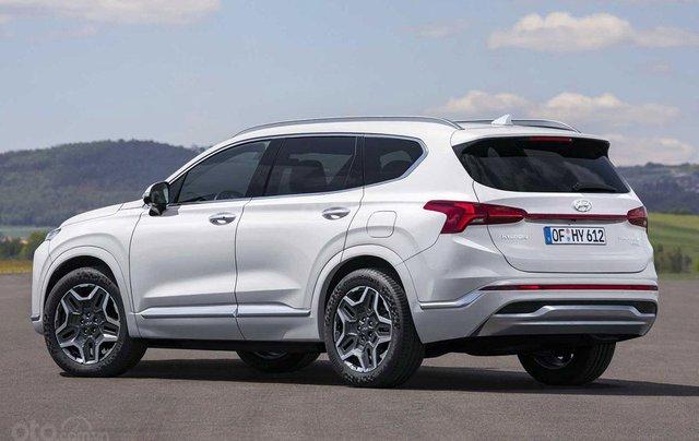 Hyundai Santa Fe facelift sẽ cập bến thị trường Việt vào đầu năm 20212