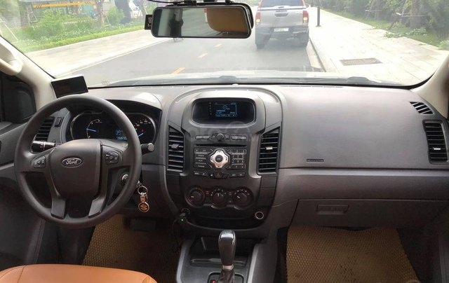 Cần bán gấp Ford Ranger XLS sản xuất 2016 số tự động7
