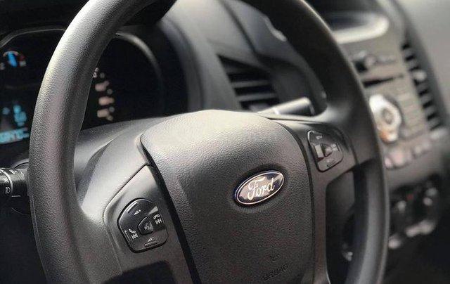 Cần bán gấp Ford Ranger XLS sản xuất 2016 số tự động8