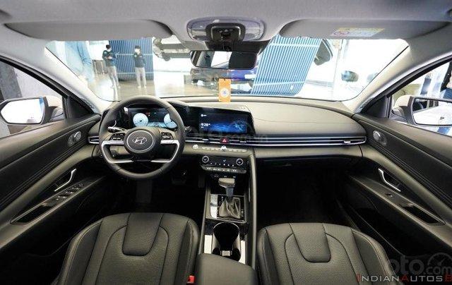 Hyundai Elantra thế hệ mới sắp ra mắt thị trường Việt có gì đặc biệt?11