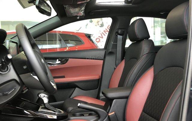 Kia Cerato đỉnh nhất phân khúc, đủ màu, giao ngay chỉ từ 529 triệu đồng7