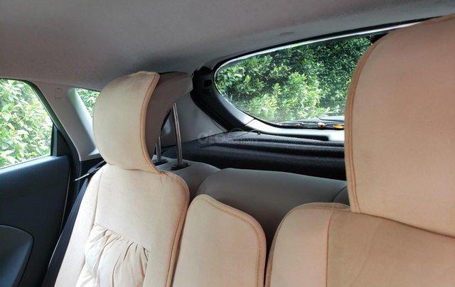 Cần bán gấp Ford Fiesta đời 2011, màu trắng, xe nhập, giá chỉ 275tr11