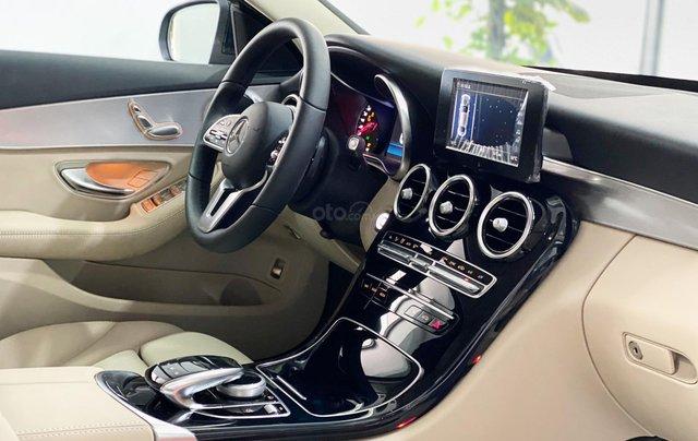 Bán Mercedes C180 2020 màu đen, nội thất kem siêu lướt, xe đã qua sử dụng chính hãng4