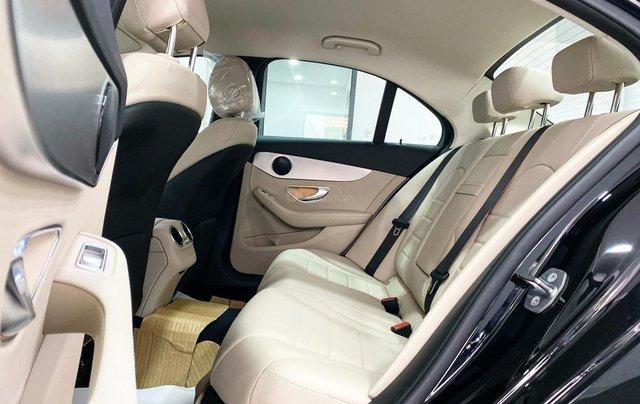 Bán Mercedes C180 2020 màu đen, nội thất kem siêu lướt, xe đã qua sử dụng chính hãng5