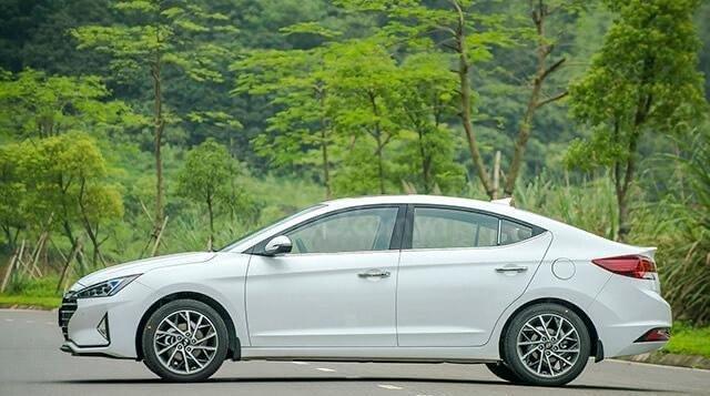 Hyundai Elantra 2020 ưu đãi cực lớn trả trước từ 148 triệu có thể sở hữu ngay dòng Sedan hạng C1