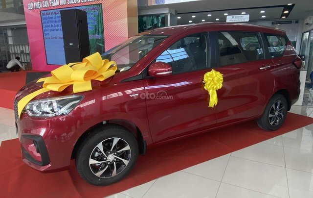 Suzuki Ertiga full option giá cực sốc, hỗ trợ trả góp cực cao, chỉ còn vài xe trả trước 100triệu có xe lăn bánh1
