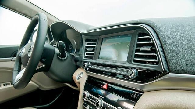 Hyundai Elantra 2020 ưu đãi cực lớn trả trước từ 148 triệu có thể sở hữu ngay dòng Sedan hạng C6