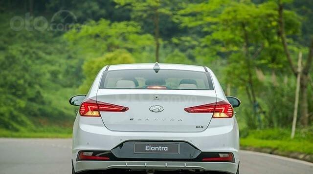 Hyundai Elantra 2020 ưu đãi cực lớn trả trước từ 148 triệu có thể sở hữu ngay dòng Sedan hạng C2