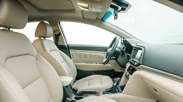 Hyundai Elantra 2020 ưu đãi cực lớn trả trước từ 148 triệu có thể sở hữu ngay dòng Sedan hạng C7