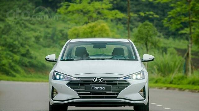 Hyundai Elantra 2020 ưu đãi cực lớn trả trước từ 148 triệu có thể sở hữu ngay dòng Sedan hạng C0