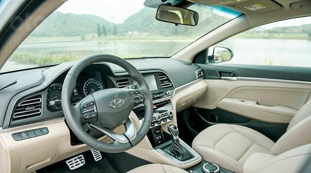 Hyundai Elantra 2020 ưu đãi cực lớn trả trước từ 148 triệu có thể sở hữu ngay dòng Sedan hạng C5