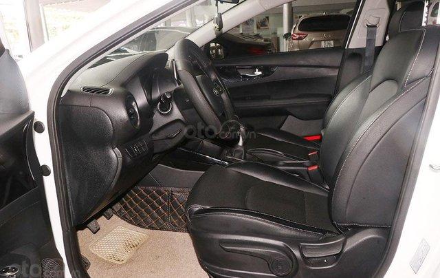 Bán xe Kia Cerato 1.6MT 2020, màu trắng5