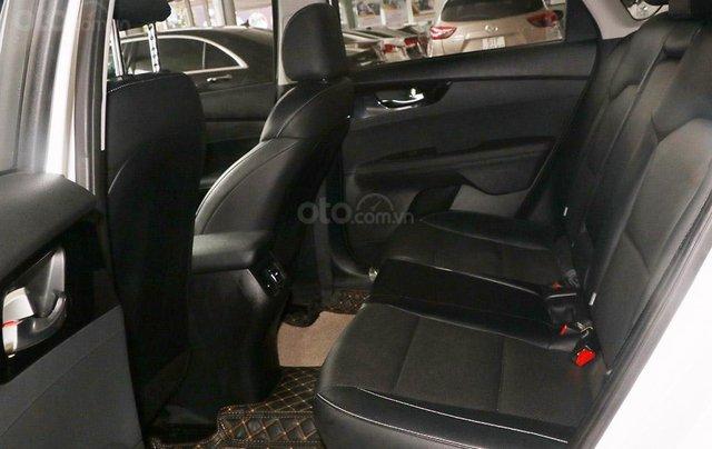 Bán xe Kia Cerato 1.6MT 2020, màu trắng6