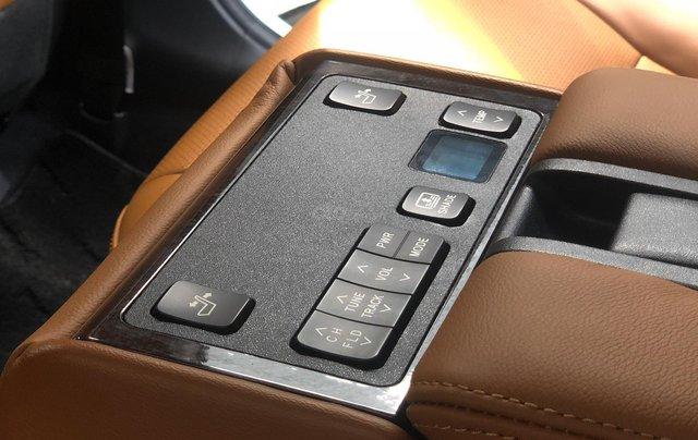 Toyota Camry 2.5Q 2018, siêu mới 3.900km9