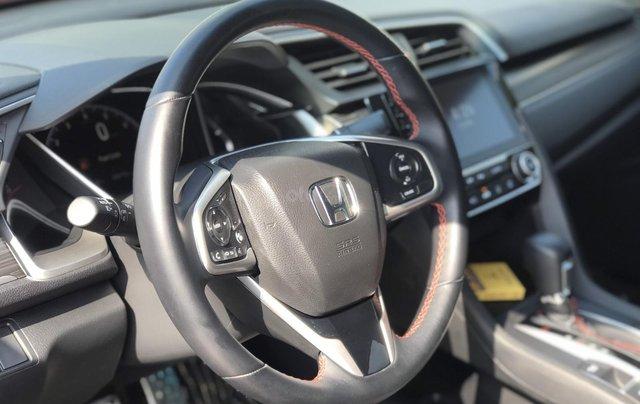 Honda Civic RS 1.5Turbo 2019. Xe nhập khẩu Thái Lan, đăng kí tư nhân 1 chủ mới như xe hãng, đi zin 8.000 km5