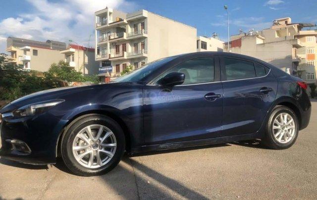 Bán gấp với giá ưu đãi nhất chiếc Mazda 3 1.5 AT đời 2017, màu xanh đen, xe giá thấp, động cơ ổn định1